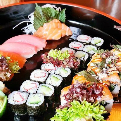 Střední a velký sushi set i japonská miso polévka