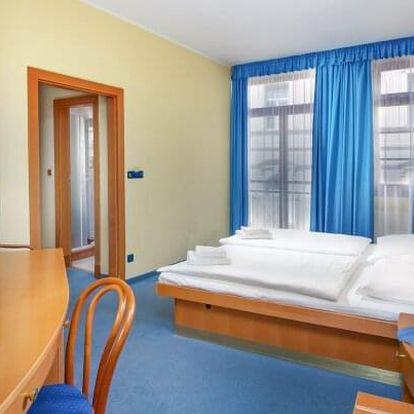 Karlovy Vary: 8 dní v Hotelu Růže **** s 15 léčebnými procedurami, vstupem do Alžbětiných lázní + plná penze