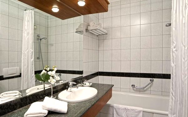 Danubius Health Spa Resort Hévíz, Maďarsko, vlastní doprava, polopenze4