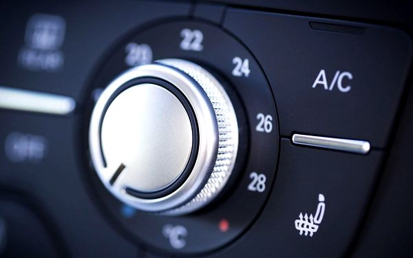 Dezinfekce klimatizace a interiéru vozu ozónem