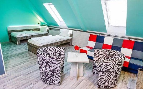 Znojmo v obklopení vinic: Hotel N *** s láhví vína, návštěvou cukrárny, polopenzí, saunou a vstupem na památky