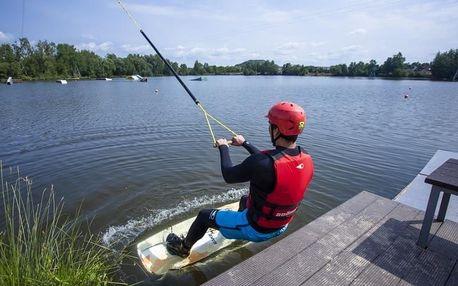 Wakeboarding - prkno na vodě