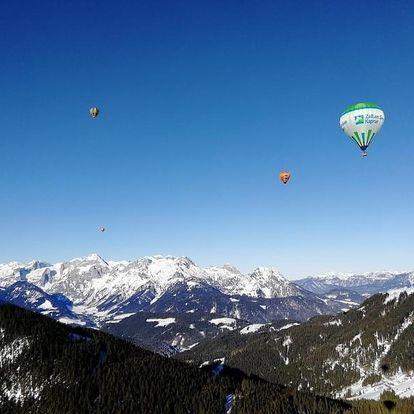 Zimní vyhlídkový let balónem nad Alpami