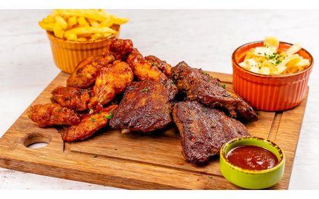 BBQ žebírka, buffalo křídla, coleslaw a hranolky