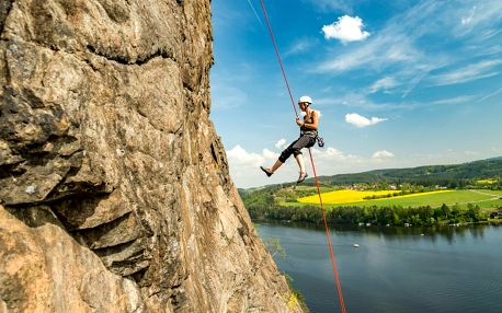 Adrenalinové slaňování v přírodě pro 1 osobu