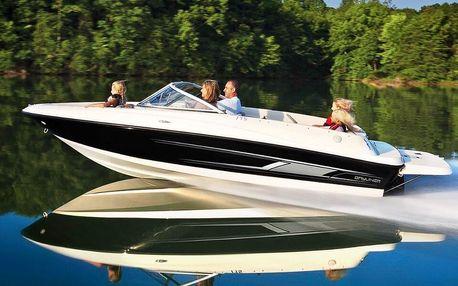 Plavba v luxusním motorovém člunu až pro 6 osob