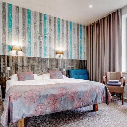 Praha nedaleko centra luxusně v Royal Court Hotelu *** se snídaní a láhví vína