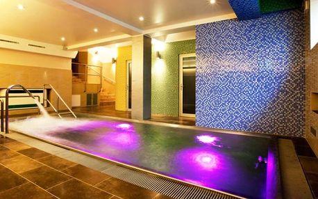 Praha pro dva: pobyt s privátním bazénem a snídaní