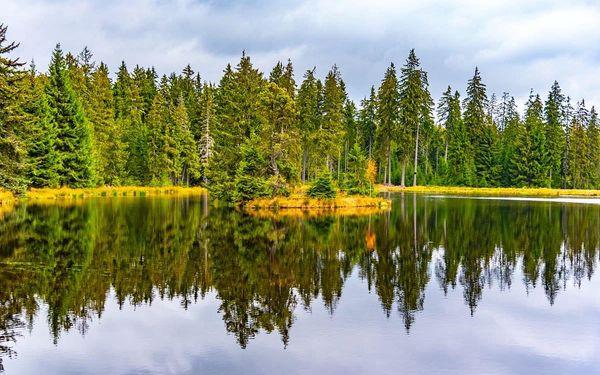 Zapadlé kouty Krušných hor a Slavkovského lesa, autobusem, polopenze3