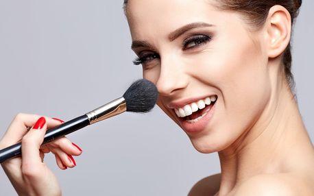 2hodinový kurz líčení třeba i s balíčkem kosmetiky