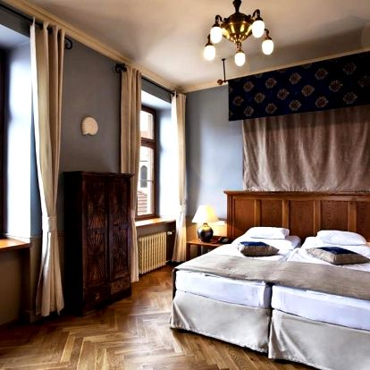 Čtyřhvězdičkový Hotel Nautilus v historické budově s jedinečným výhledem na centrum Tábora