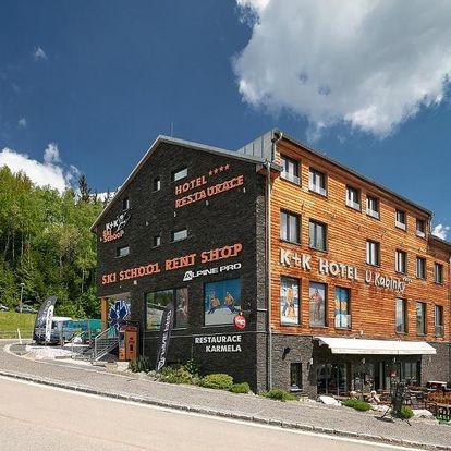 Hotel U Kabinky poblíž Stezky korunami stromů Krkonoše