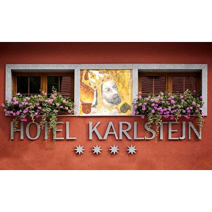 Romantický wellness hotel s nejkrásnějším výhledem na Karlštejn
