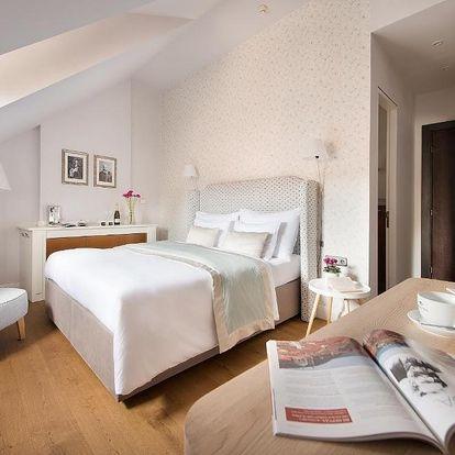 Hotel v budově ze 14. století pod dozorem Pražského hradu