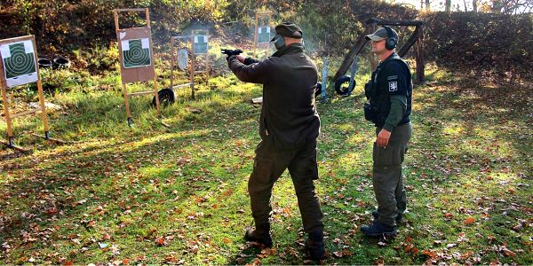 Kurzy na získání zbrojního průkazu: teorie i praxe