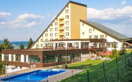 Bílé Karpaty v Horském Hotelu Jelenovská *** s polopenzí, 2 bazény, 2 procedurami a možností all inclusive