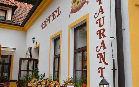 Karlštejn, Středočeský kraj: Hotel Koruna