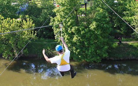 Adrenalinová jízda 60m lanovkou přes Baťův kanál