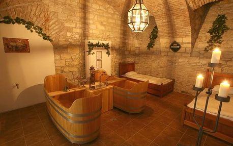 Ponořte se do vany plné piva v Pivních lázních Bernard v Praze