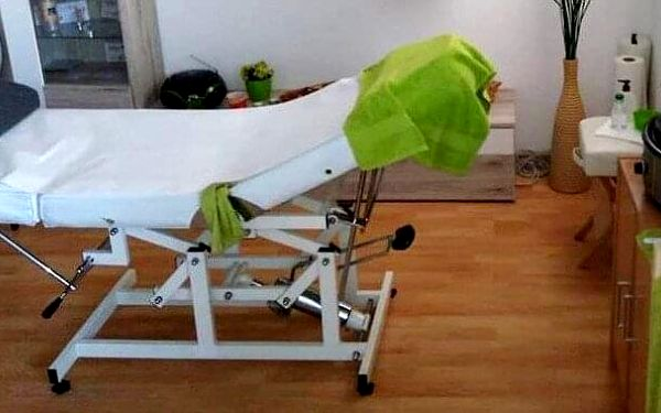 30minutová masáž (záda a šíje)4