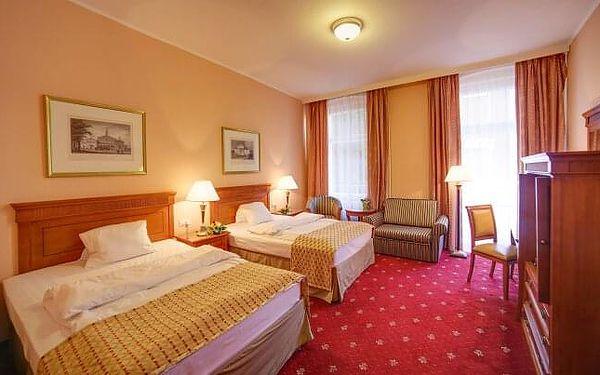 Karlovy Vary: SPA Hotel Lauretta **** s plnou penzí, kávou se zákuskem a až 8 léčebnými procedurami