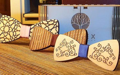 Pánský dřevěný motýlek vyrobený na Slovensku