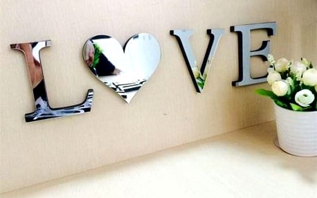 3D zrcadlová dekorace s nápisem LOVE a HOME