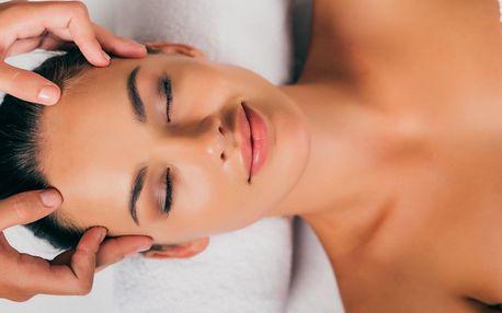 Kosmetické ošetření: peeling, barvení obočí i masáž