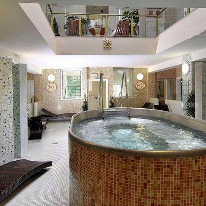 Hotel Karlsbad Grande Madonna**** v centru Karlových Varů s polopenzí a wellness