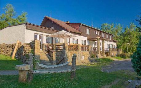 Šumava u Kašperských hor v Hotelu Rohanov s úschovnou kol, multifunkčním hřištěm, vyžitím pro děti a polopenzí