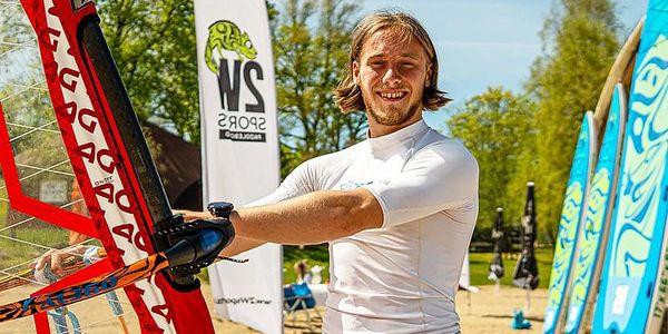 Kurz windsurfingu s Petrem Čechem   Černá v Pošumaví   1. června - 30. září.   1 hodina.3