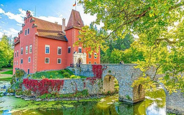 Česká Kanada: Penzion Zlatovláska s polopenzí, láhví sektu a vstupem na zámek Červená Lhota (1 km)