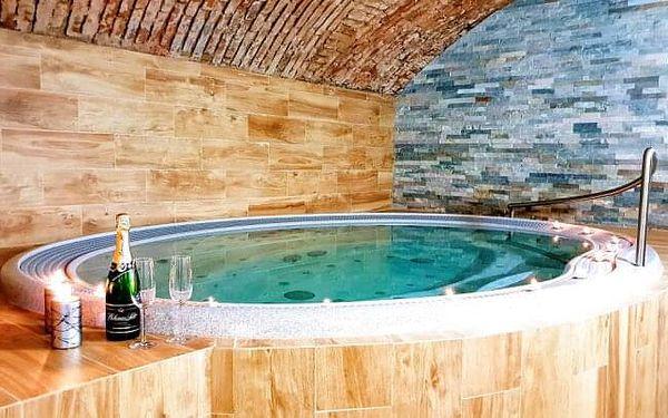Vysočina: Relax v Hotelu Sněžné *** se vstupem do wellness a 50% slevou na masáže a zábaly + polopenze