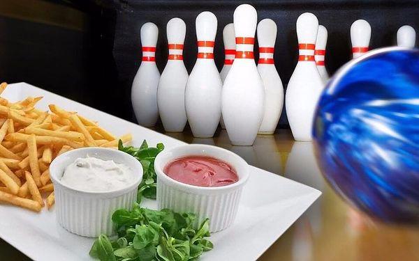 Koule a hranoly aneb Bowling a mlsání hranolků