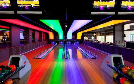 1 nebo 2 hodiny bowlingu s pivem nebo Cuba libre