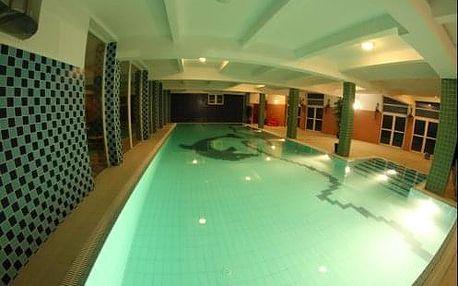 Nádherný Krakov - pobyt pro 2 osoby v hotelu Daisy Superior s bazénem a saunou