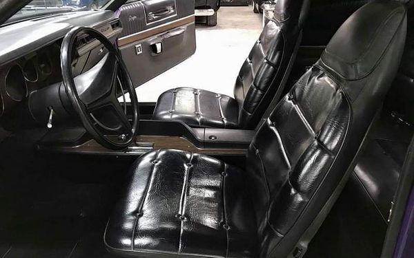 Pronájem Dodge Charger 1973 bez limitu km, 12 hod, počet osob: 1 osoba, Praha (Praha)3