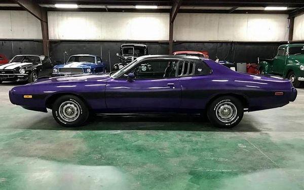 Pronájem Dodge Charger r. 1973 na 12 hodin
