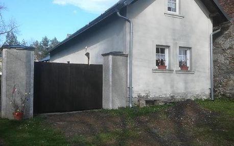 Karlovarský kraj: Dům v malé, klidné obci blízko Mariánských Lázní