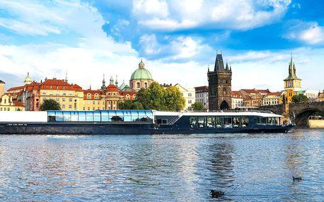 Velká vyhlídková plavba Prahou: 2 hodiny na lodi