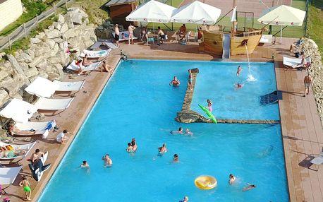 Letní last minute v Hotelu Podlesí s bazénem i vstupem do pohádkové vesničky