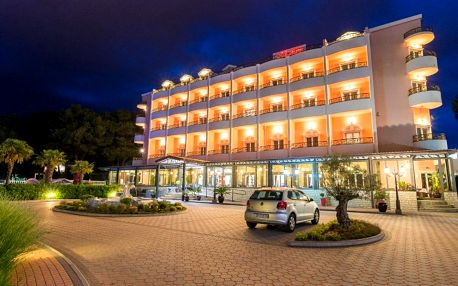 Chorvatsko, Vodice: Hotel Miramare