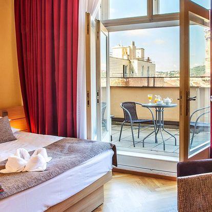Romantika v centru Prahy: 4* hotel, jídlo i wellness