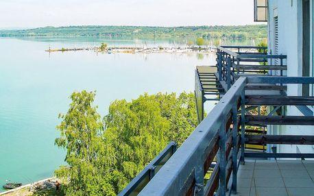 Relax u Balatonu: soukromá pláž, bazén, sauna i aktivity