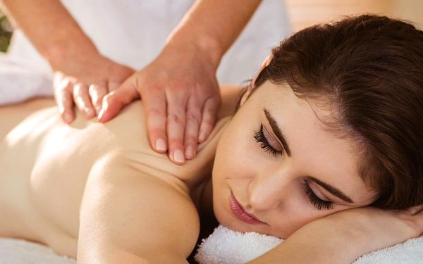 Klasická, aroma, sportovní i baňková masáž