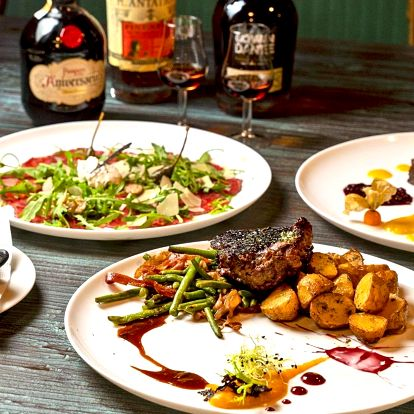 Tříchodové menu a degustace světových rumů pro dva