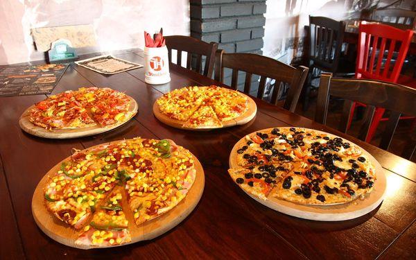 2x pizza podle výběru a 1 hod. bowlingu3