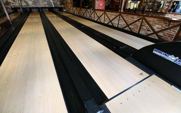 Hodina bowlingu a jumbo pánev křídýlek (2 kg)3