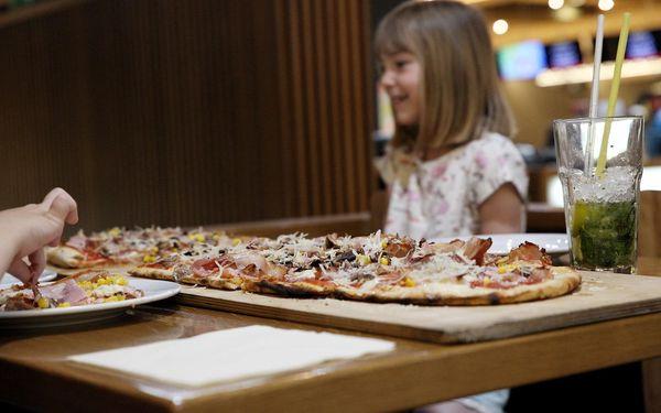 Metrová pizza Scrocchiarella + 1 hodina bowlingu5
