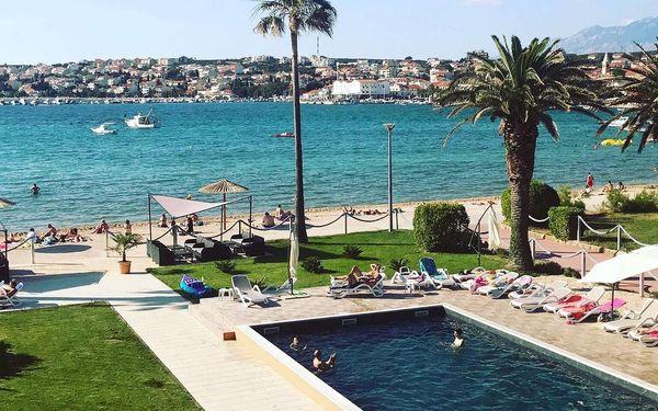 Chorvatsko s polopenzí v hotelu hned u pláže
